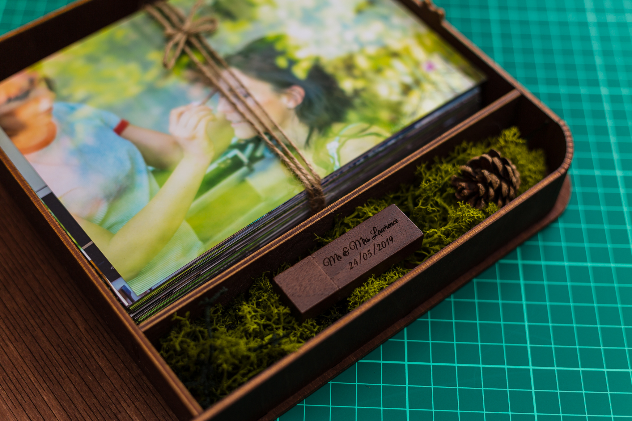 USB + Presentation Box - £150 - If you want to keep your photos in a stylish presentation box that matches a USB (a few designs are available!) then let me know that you wish to add this to your package! (it is already included in the All Inclusive Package!