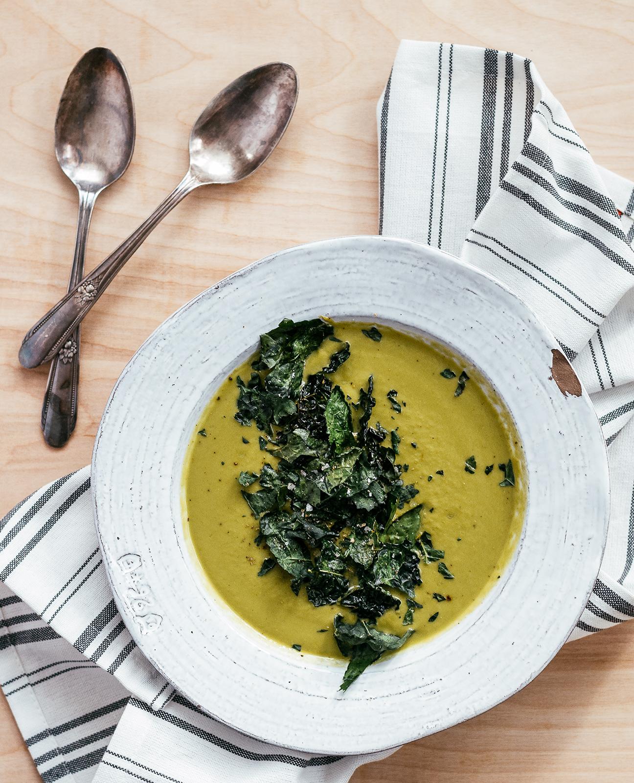 Blumenkohl- und Grünkohlsuppe