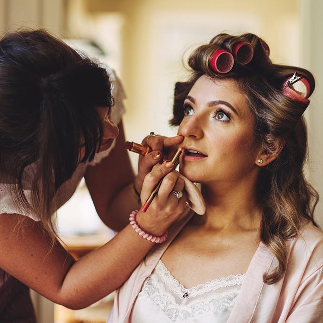 Work in progress 🤗 . . .  #makeup #makeupartist #makeupaddict #beauty #dublin #fashion #ireland #makeuplover #hair #bridesmaids #makeupjunkie #instamakeup #makeupforever #bridalmakeup #model #irish #bride #wedding #weddingdress #weddingmakeup #weddigmakeupartist #wakeupandmakeup