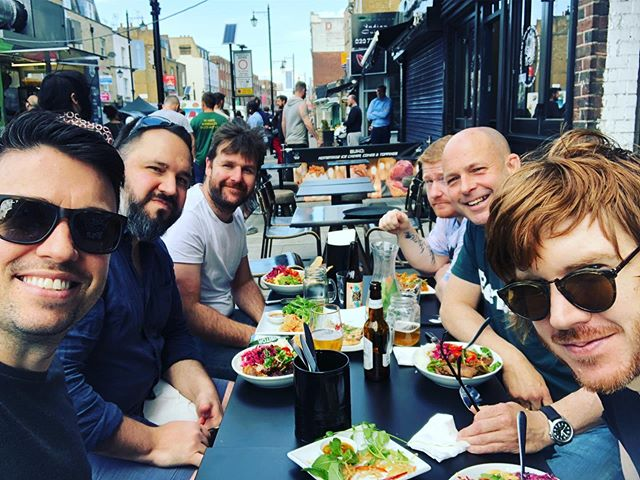 Quick @enroly_friends team lunch #sunnylondon #sun #enroly #hoxton #eastlondon
