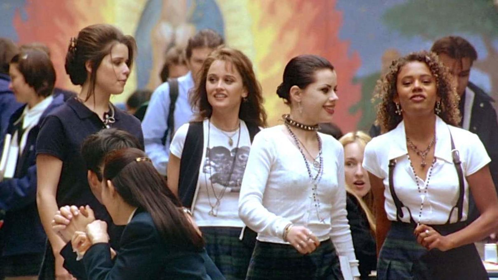 Neve Cambell, Rachel True, Fairuza Balk, and Robin Tunney in The Craft (1996)
