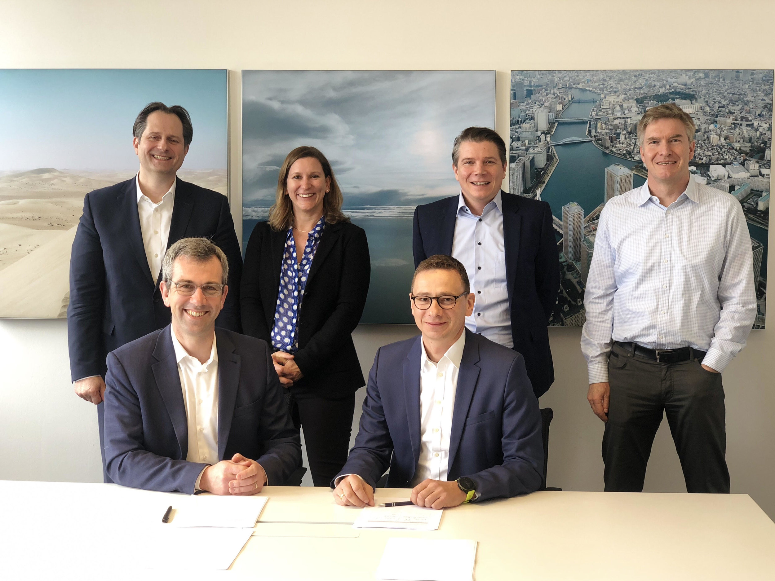 CarbonCure and Linde form their strategic alliance at the Linde office in Munich, Germany. Back from left to right: Stefan Zöllinger, Anne Schüessler, Ulrich Hanke, and Rolf Heninger of Application Technology at Linde. Front from left to right: Rob Niven, CEO & Founder of CarbonCure Technologies and Dr. Mathias Kranz, Head of Application Technology at Linde.