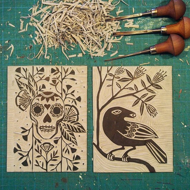 "Carving some new greeting cards for the studio!☝️ These linocuts will be printed using our tabletop etching press ""Hugo Boss"". Join our LINOPRINT WORKSHOPS - 26th Oct & 10th Nov and our PRINT YOUR OWN CHRISTMAS CARDS WORKSHOPS - 9th // 15th // 23rd // 24th Nov, and learn the basics of the wonderful art of block printmaking, using a press and hand burnishing techniques. You'll be surprised how easy it is, and the best part; you don't need specialised equipment (like Hugo the etching press) you'll be able to create all your masterpieces, at home with a basic set of tools! #nundlensw #stormcrowstudio #linoprint #workshops #outbacknsw #blockprinting #linocarving #artistoninstagram #greetingcards #handmade #diy"