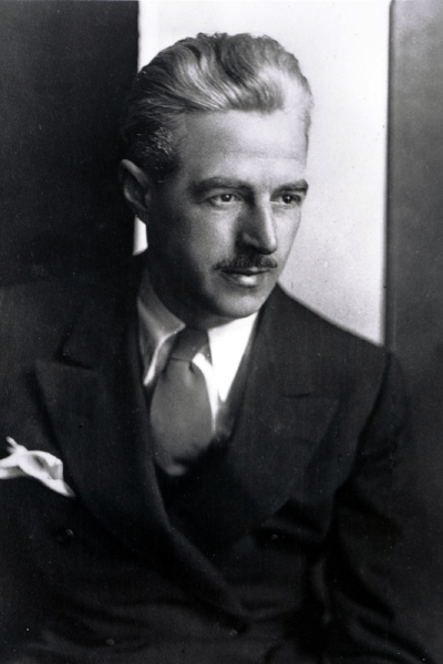 Dashiell Hammett(1894-1961) - Widely regarded as one of the finest murder mystery writers in history, Samuel Dashiell Hammett was born in May 1894. Based on his own experience working at Pinkerton National Detective Agency, his hard-boiled detective novels include 'Red Harvest', 'The Maltese Falcon' and 'The Dain Curse'.His intricate plots and insidious characters have continued to capture readers' imagination earning 'Red Harvest' a place in TIME magazine's 100 best English language novels from 1923 to present day.