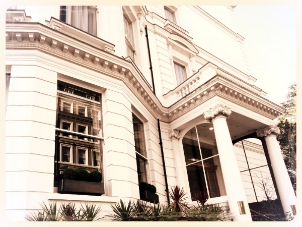 Grange Strathmore Hotel - Enjoy a murder mystery evening at the Grange Strathmore, an imposing 4-Star hotel, located close to London's most famous museums in South Kensington; an ideal venue for you and your guests to become honorary investigators for the evening.
