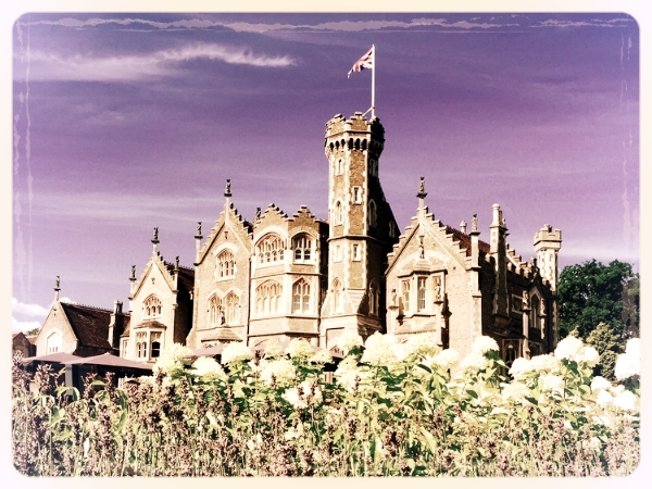 Oakley Court - A beautiful country house hotel close to London, Oakley Court is an excellent venue for a murder mystery night in Windsor. The Conservatory works particularly well for of our evening murder mysteries whilst the Oakleaf Lounge offers a great setting for pre-dinner drinks.