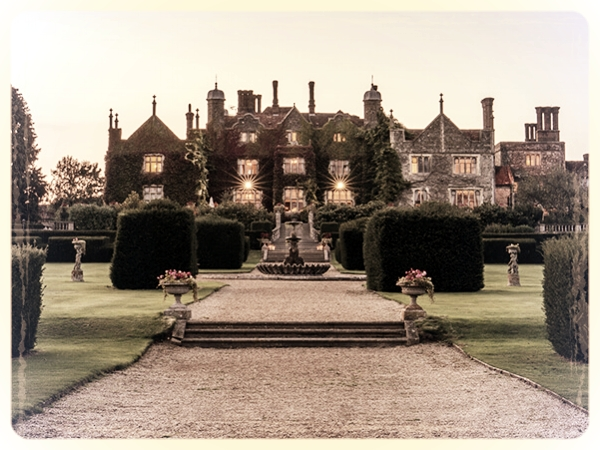 Eastwell Manor Hotel & Spa - Want to get out the City but don't want to travel too far? Let us introduce you to Eastwell Manor... Just over 30 minutes from St Pancras, this magnificent venue is perfect for our hilarious Murder and the Mob or our more challenging murder mystery CSI:Murder.