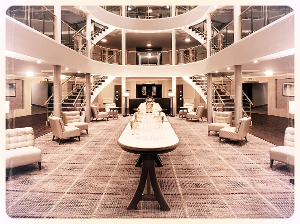 Hinckley Island Hotel - Just 15 miles from Leicester city centre and historic Coventry, this 4 star hotel offers contemporary accommodation and excellent conference facilities. Investigate our murder mystery evenings page for ideas!