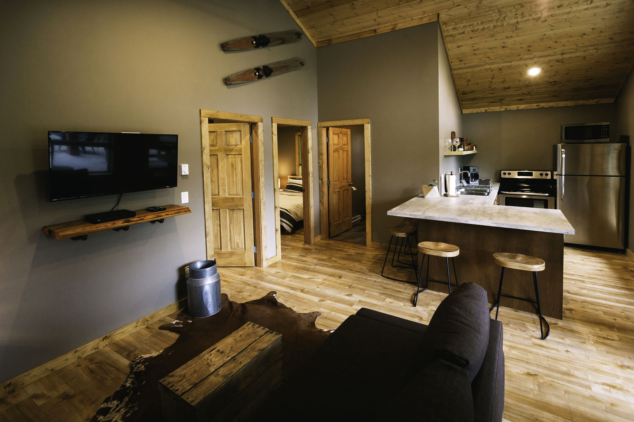 white-lake-cabins-two-bedroom-interior-68.jpg