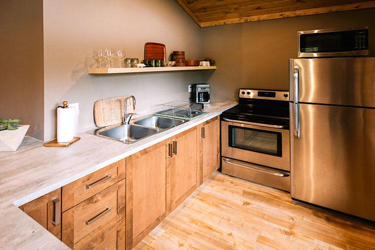 WHITE-LAKE-CABINS-2-bedroom-full-kitchen-51.jpg