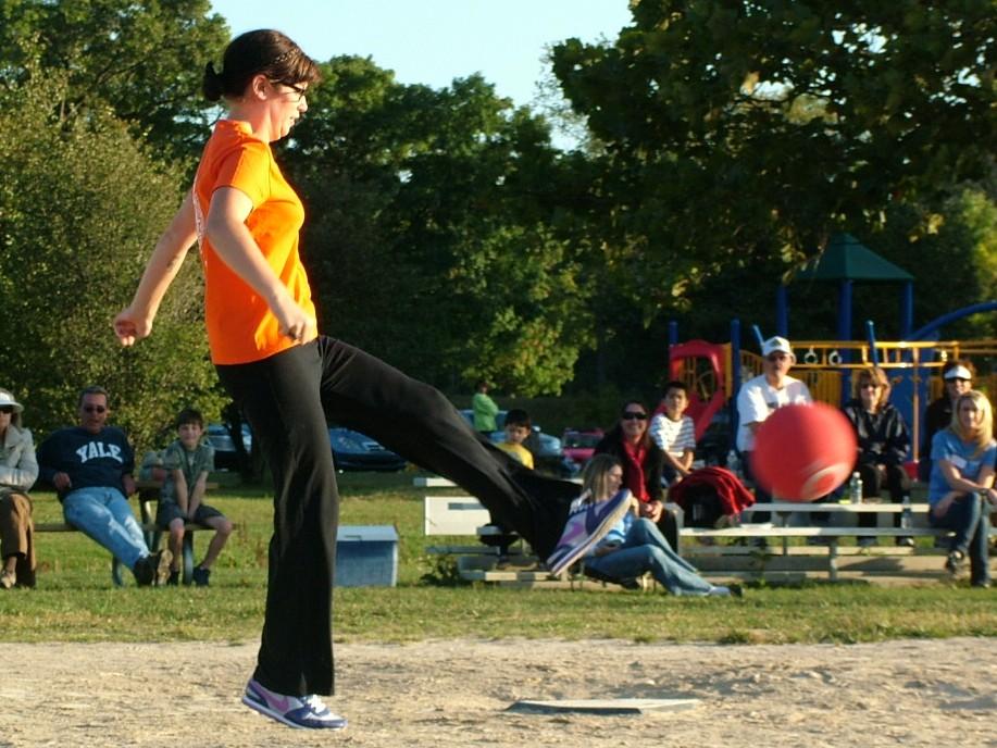 2010 Kickball 214.JPG
