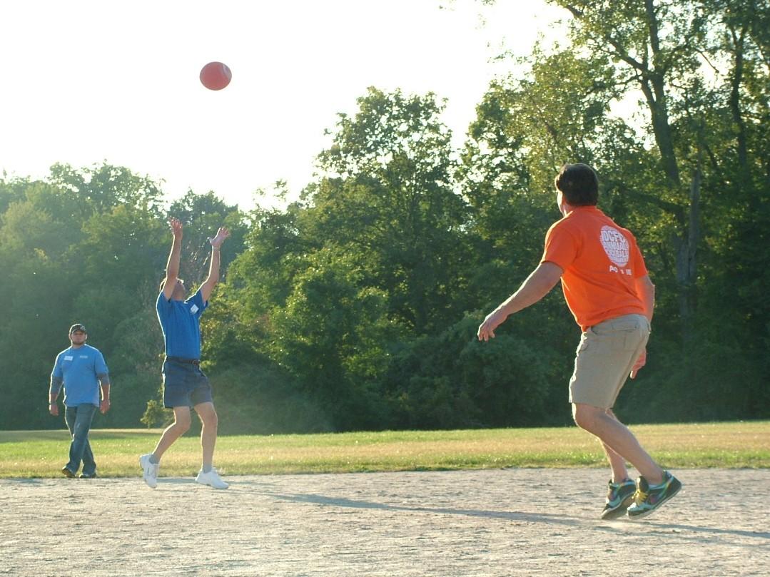 2010 Kickball 231.JPG