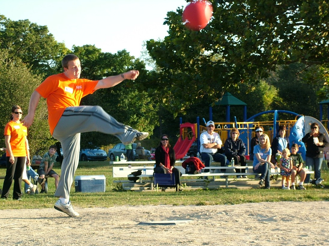 2010 Kickball 247.JPG