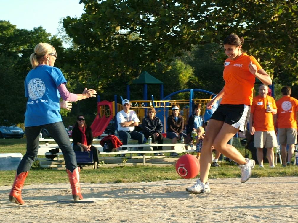 2010 Kickball 255.JPG
