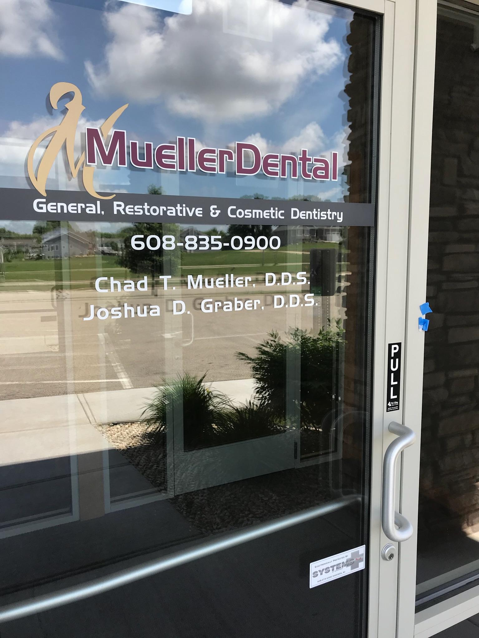 window_lettering__Mueller.jpeg