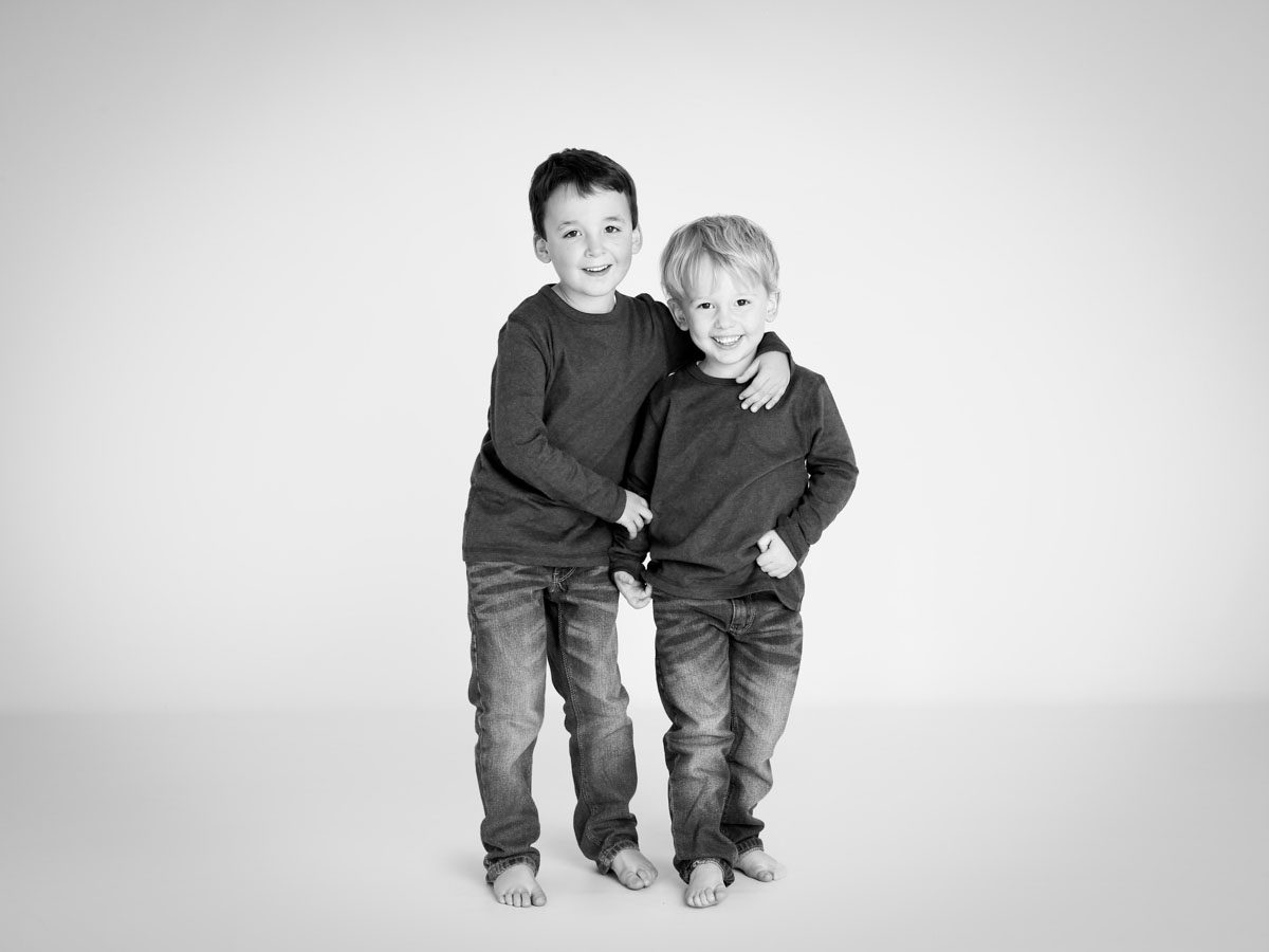 Photoshoot of two close brothers