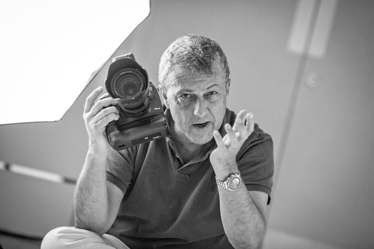 Photographer explaining a photoshoot