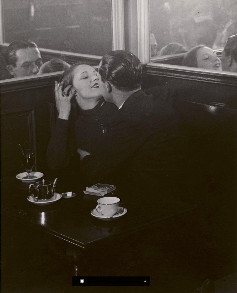 Couple d'Amoureux dans un Petit Cafe, Quartier Italie , ca. 1932