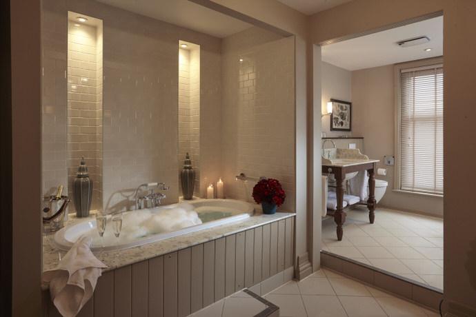 ClevedonHall_Bedrooms_07.01.150469.jpg