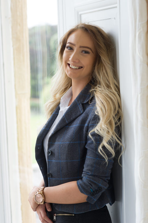 Lara Venables    Events Assistant   Lara works with Verity and the other members of the operations team to help deliver those all important wedding day memories that you have been planning. Lara is also heavily involved with our Wedding Fayres.