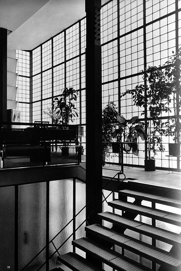 """巴黎""""玻璃之家""""Maison-de-Verre-by-Pierre-Chareau1932.42.jpg"""