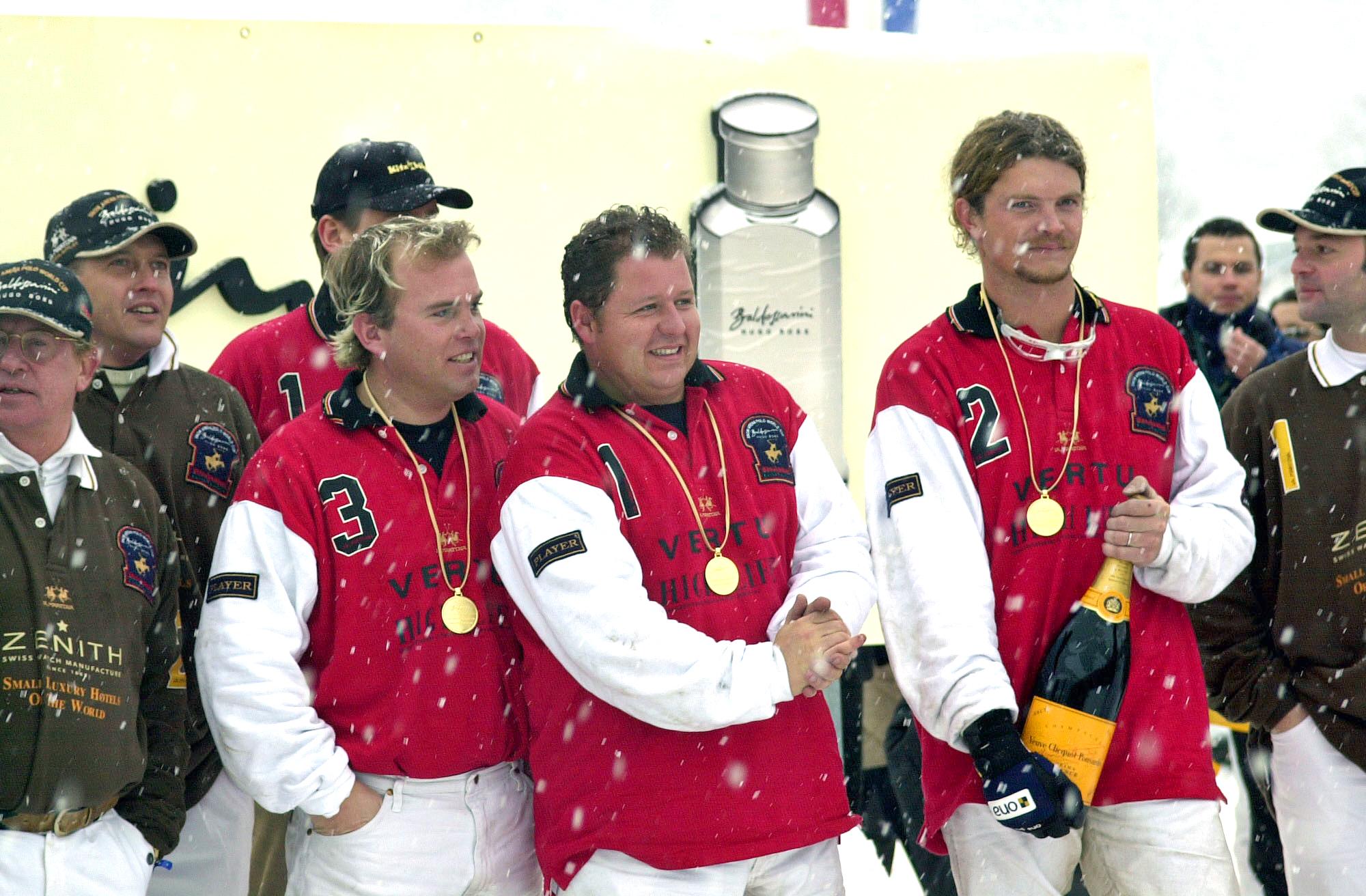 2003 Team Vertu/ High Life  - Tim Bown (ENG), Tony Pidgeley (ENG), Jack Kidd (ENG)