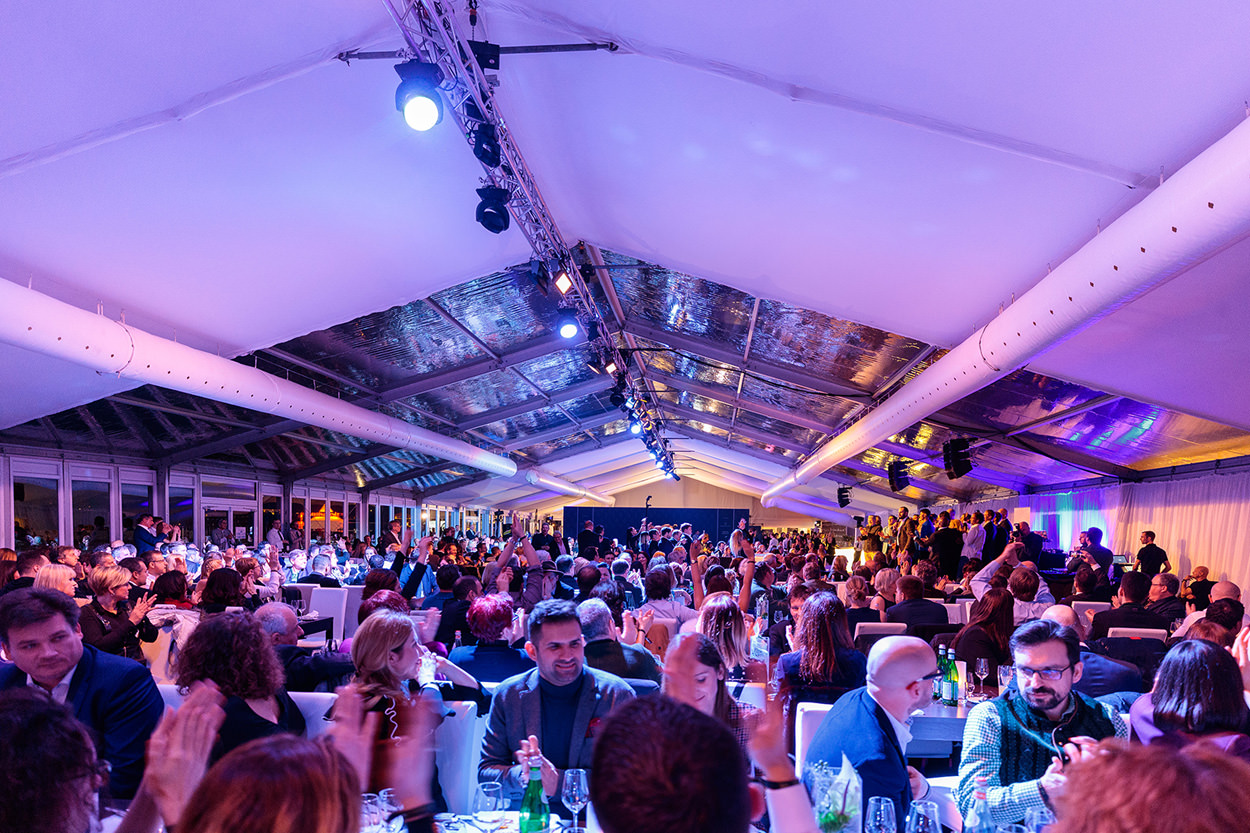 """Saturday - 18th January 2020 - 11 am - Gates Open11.30 am – Game 112.45 pm – Game 22 pm – Game 38 pm – """"Polo Players Night"""" in the VIP Tent. Top entertainment, and gourmet-catering,""""Polo-Party"""" (By invitation only/ information via Lifestyle Events: info@kitzbuehelpolo.com"""