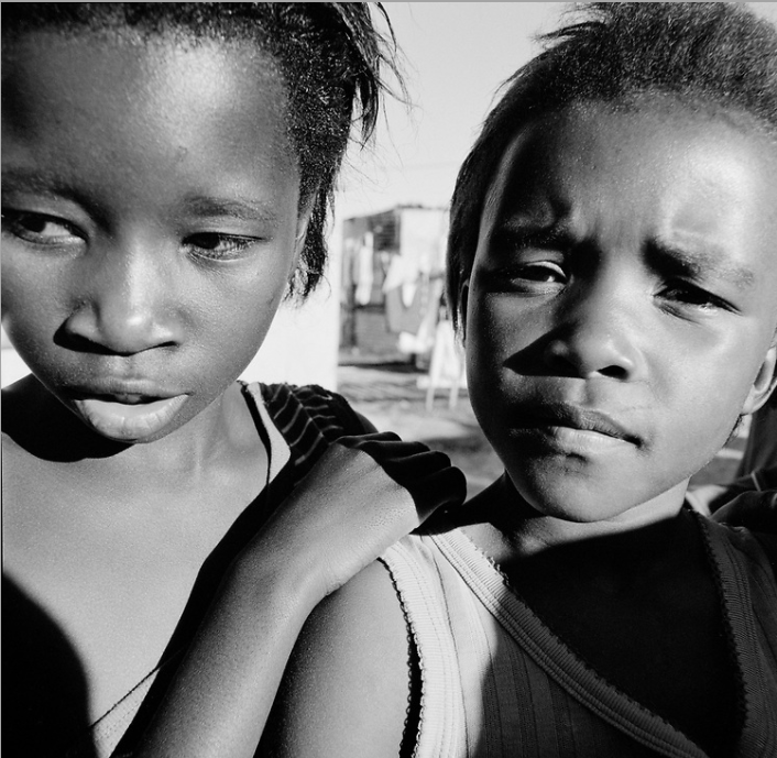 TWO CHILDREN IN  TOWNSHIP.  CREDIT: ANNE REARICK