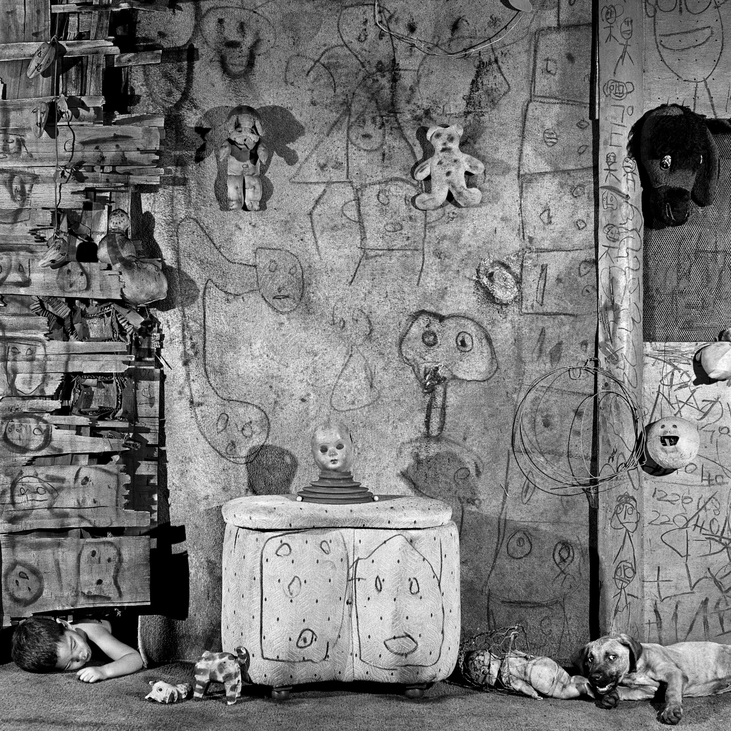 BOARDING HOUSE (2008). CREDIT: ROGER BALLEN