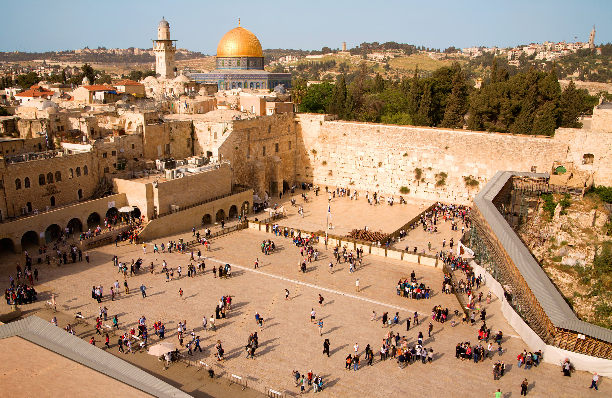 THE HOLY CITY SHINING ON THE HILL. CREDIT: NOAM CHEN/ISRAELI MINISTRY OF TOURISM