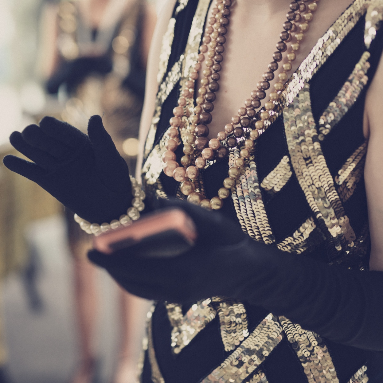 Behind the scenes on a vintage shoot featuring Charleston dancers ©Julie Corcoran