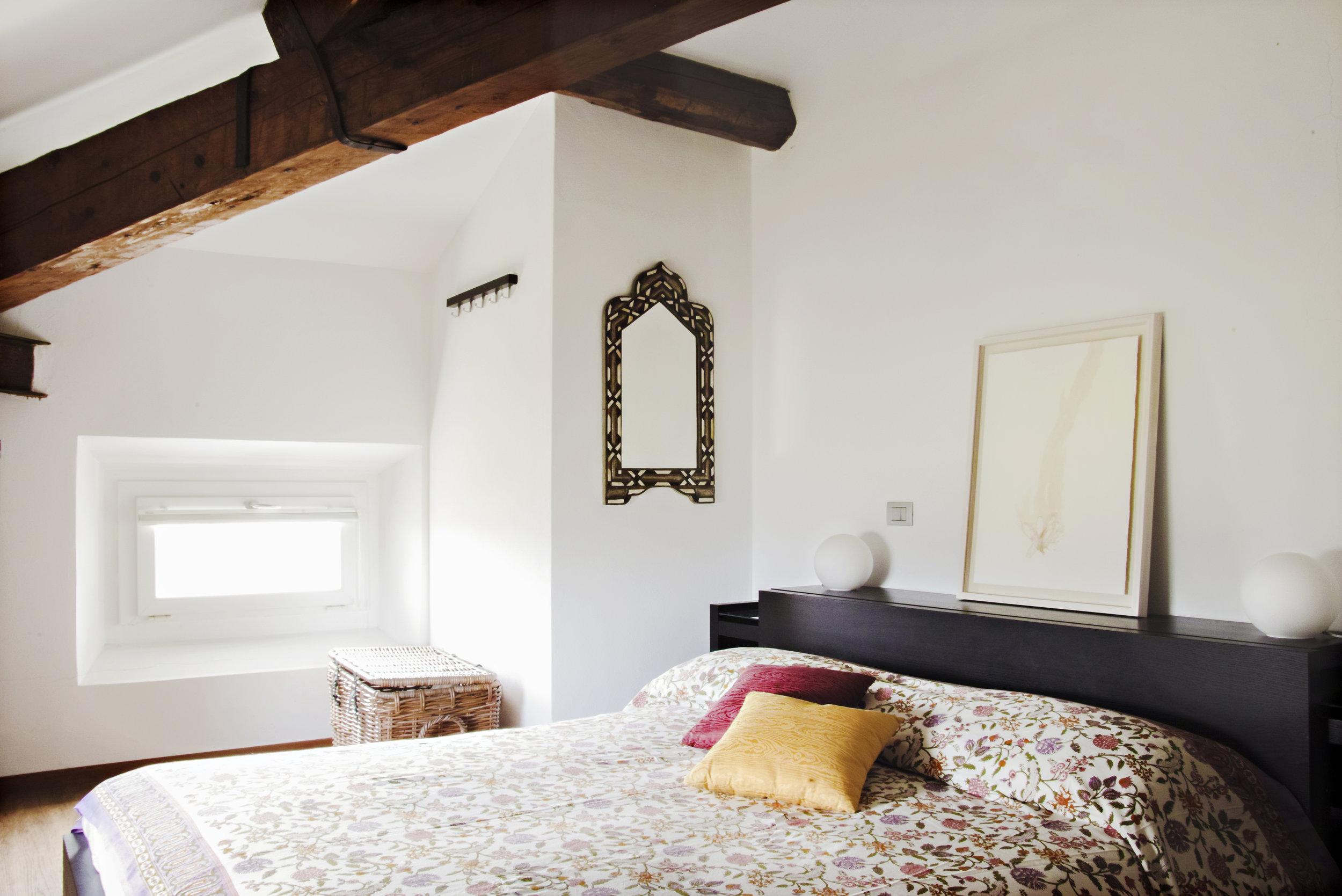 CAMERE - Le due camere private offrono uno spazio accogliente e confortevole per i tuoi soggiorni.SCOPRI CAMERE