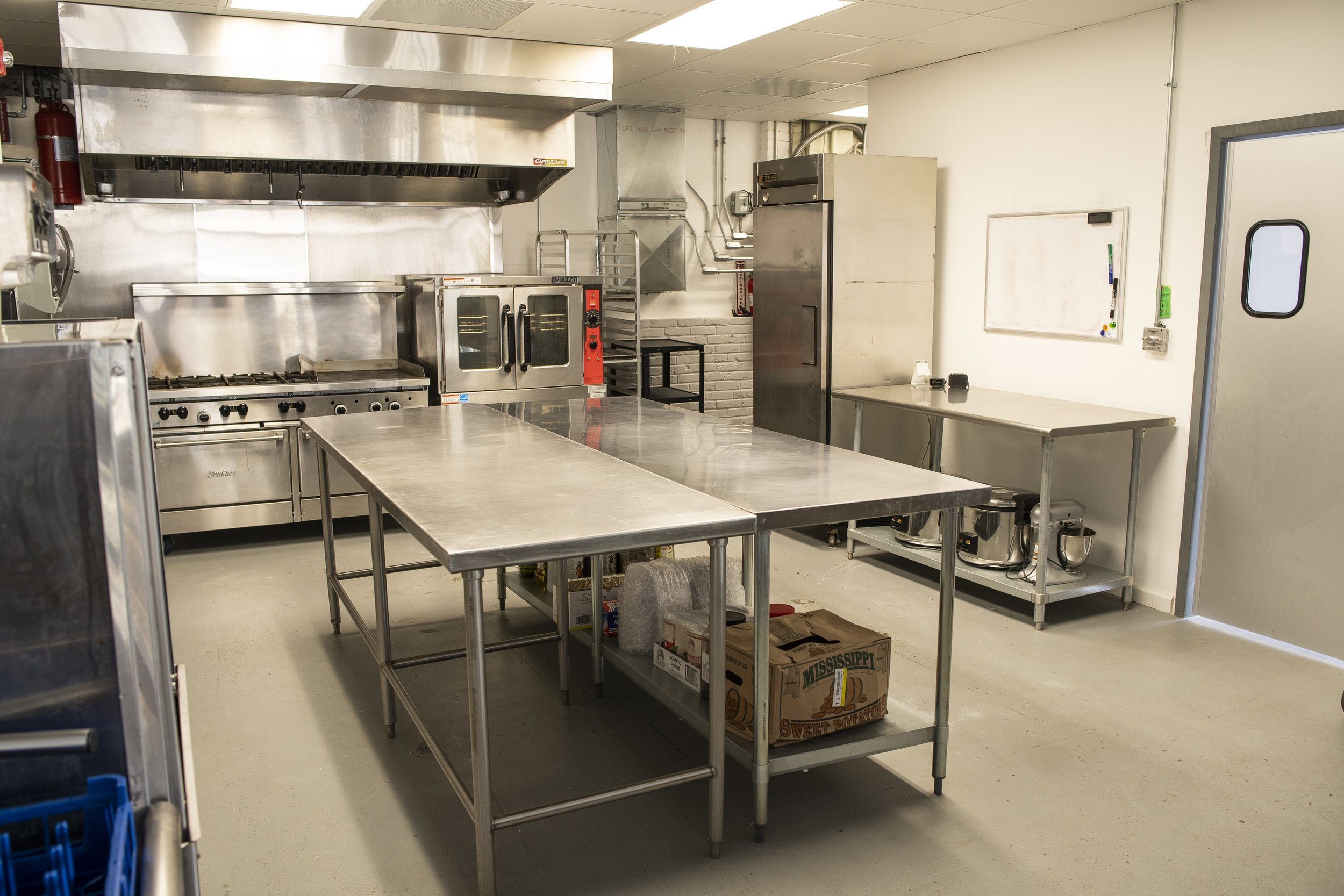 Commercial Kitchen-0141.jpg