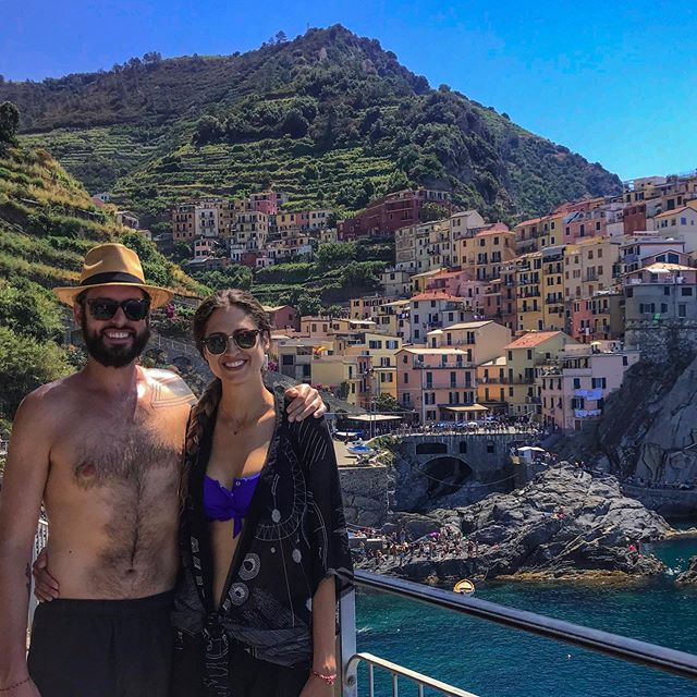OK, there is so much more to Italy than amazing pasta and endless wine. We have found this country to have one of the most beautiful coastlines we have ever seen! 👀 We are now brainstorming ideas on how to spend more time here on a regular basis (and also how to take a gallon of this pesto with us wherever we go)