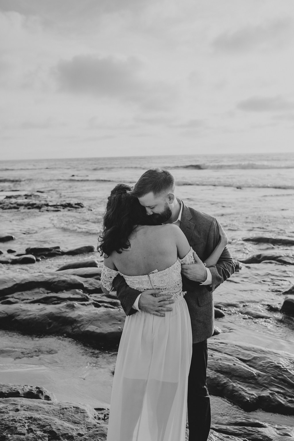 pinkfeatherphotography-Lajollabeach-engagement(107of146).jpg