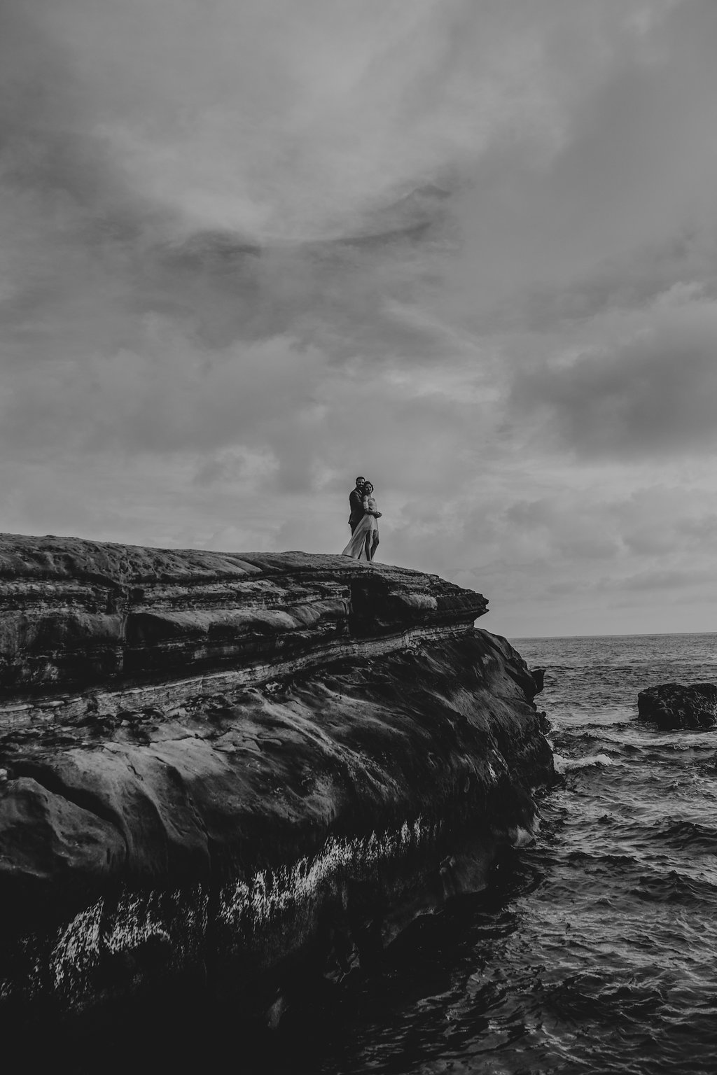 pinkfeatherphotography-Lajollabeach-engagement(115of146).jpg