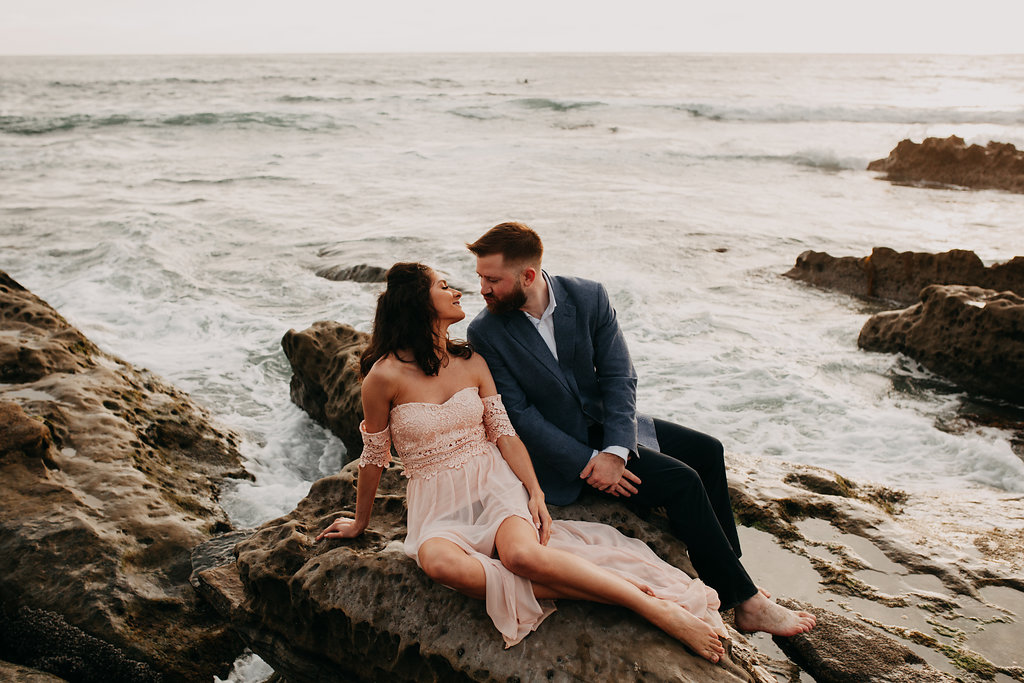 pinkfeatherphotography-Lajollabeach-engagement(120of146).jpg