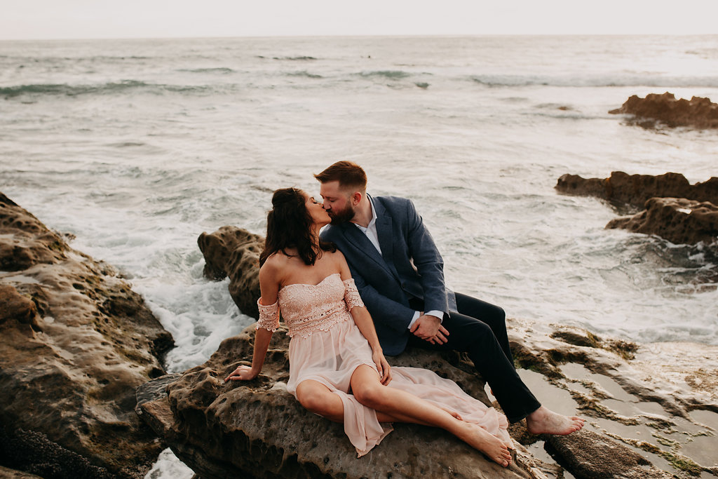 pinkfeatherphotography-Lajollabeach-engagement(121of146).jpg