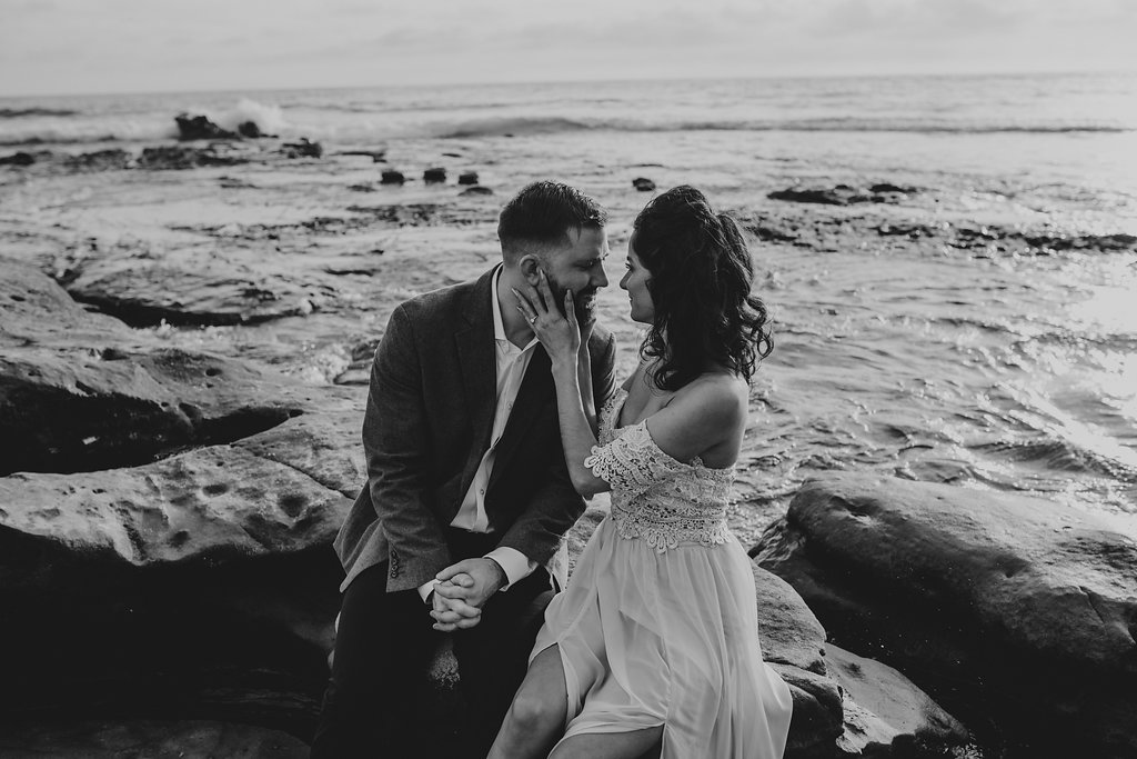 pinkfeatherphotography-Lajollabeach-engagement(77of146).jpg