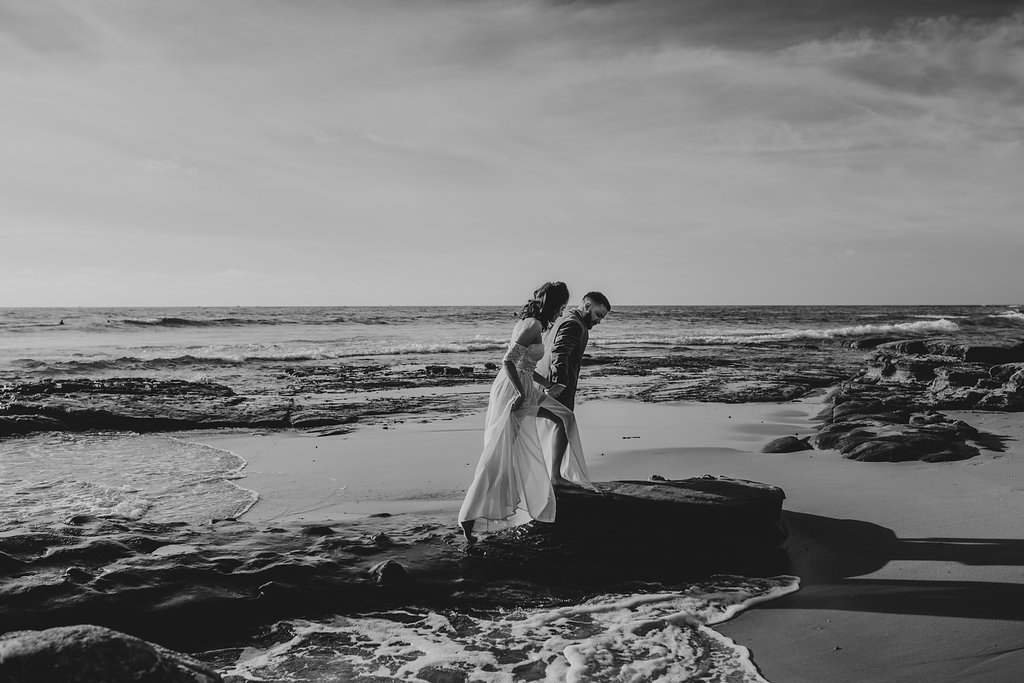 pinkfeatherphotography-Lajollabeach-engagement(18of146).jpg
