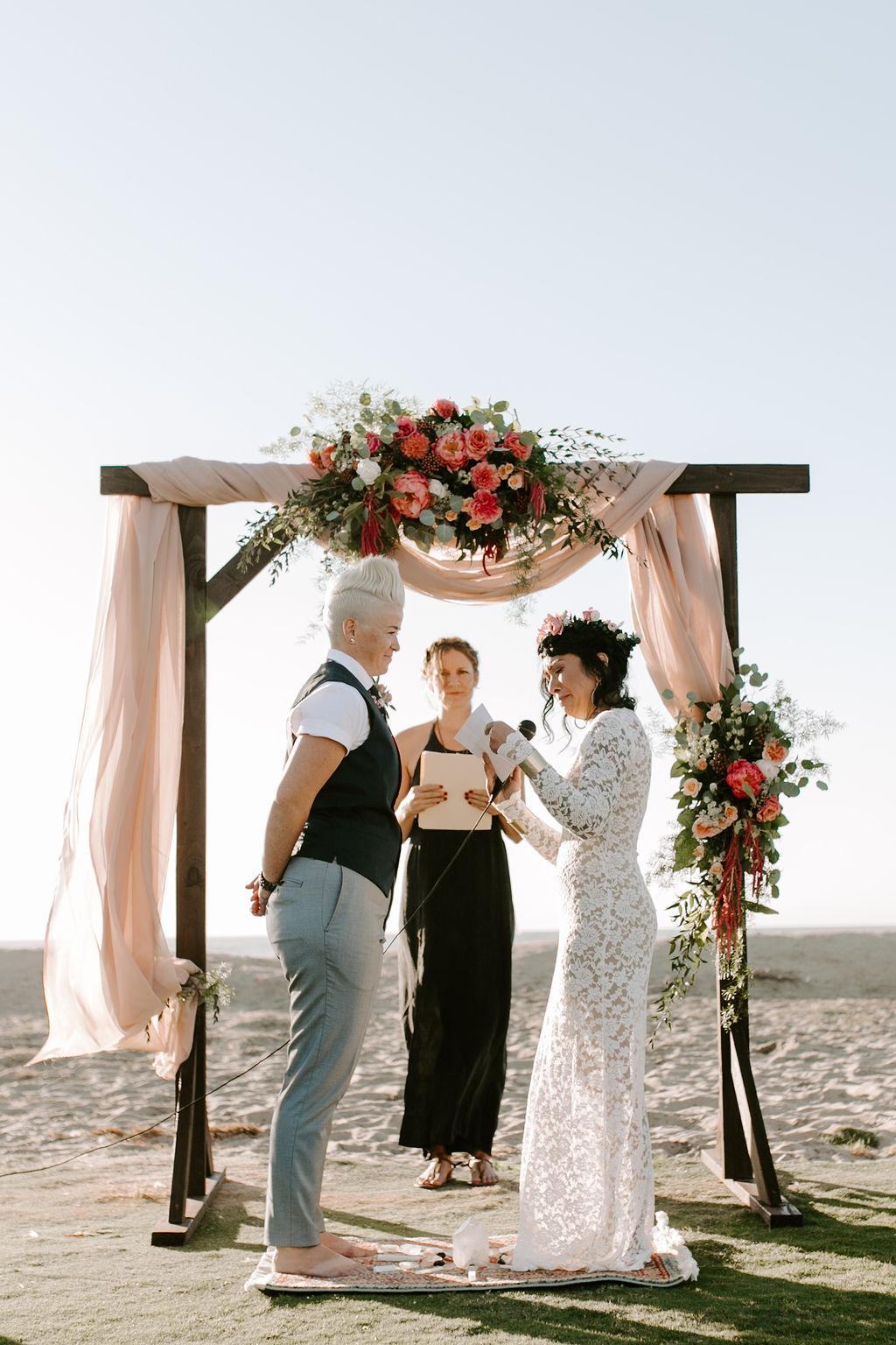 pinkfeatherphotography.OceanBeach-Wedding(140of591).jpg