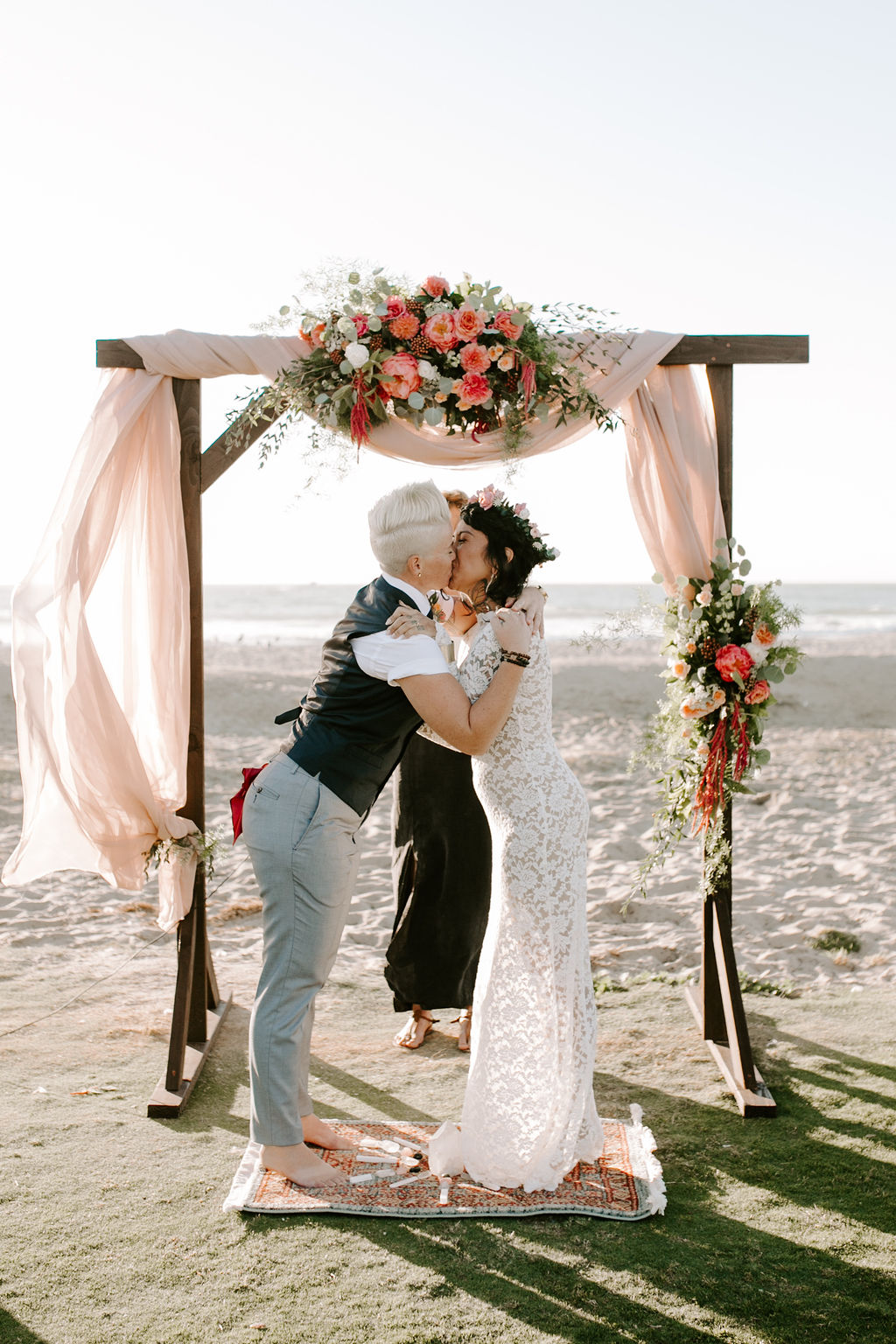 pinkfeatherphotography.OceanBeach-Wedding(155of591).jpg
