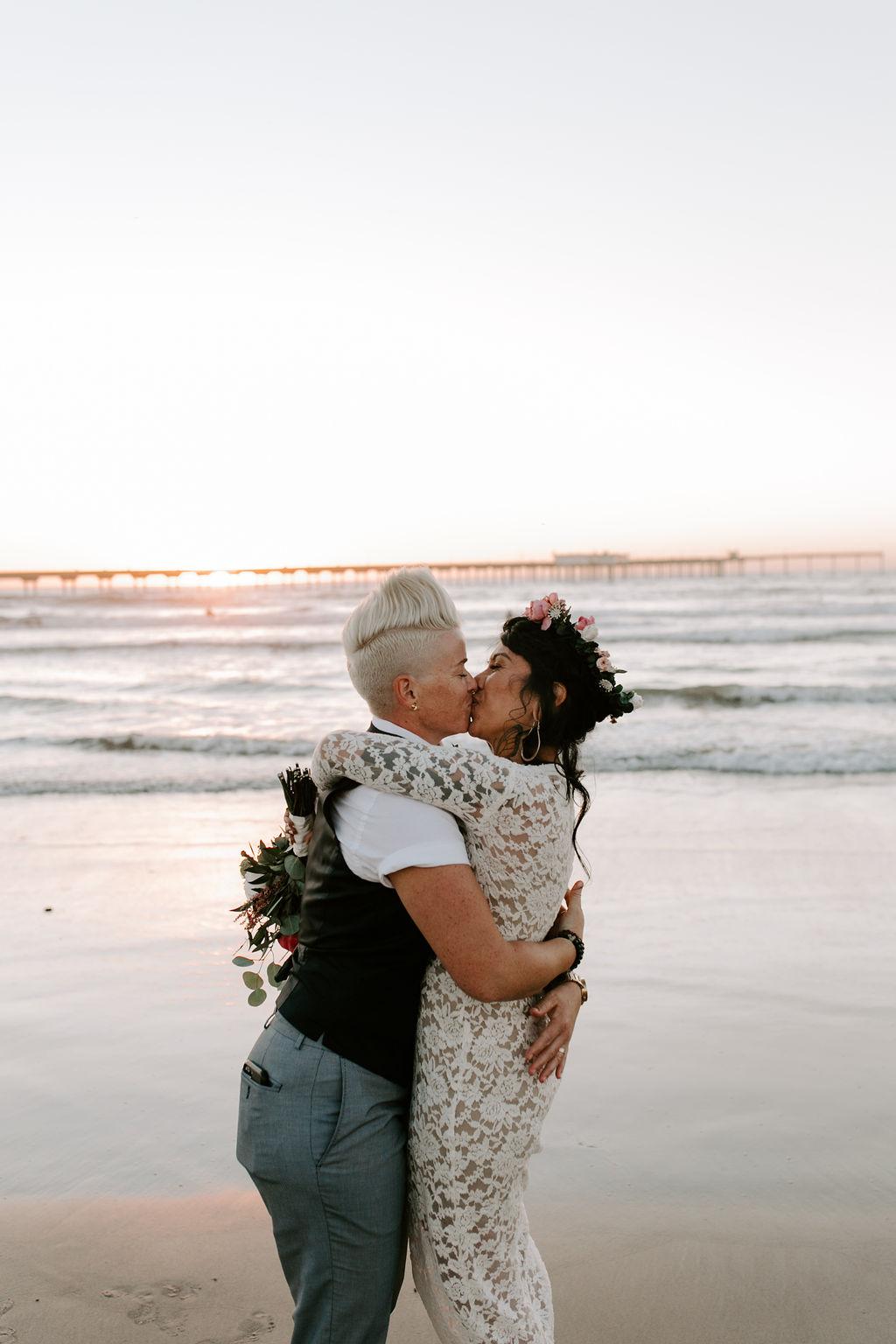pinkfeatherphotography.OceanBeach-Wedding(358of591).jpg