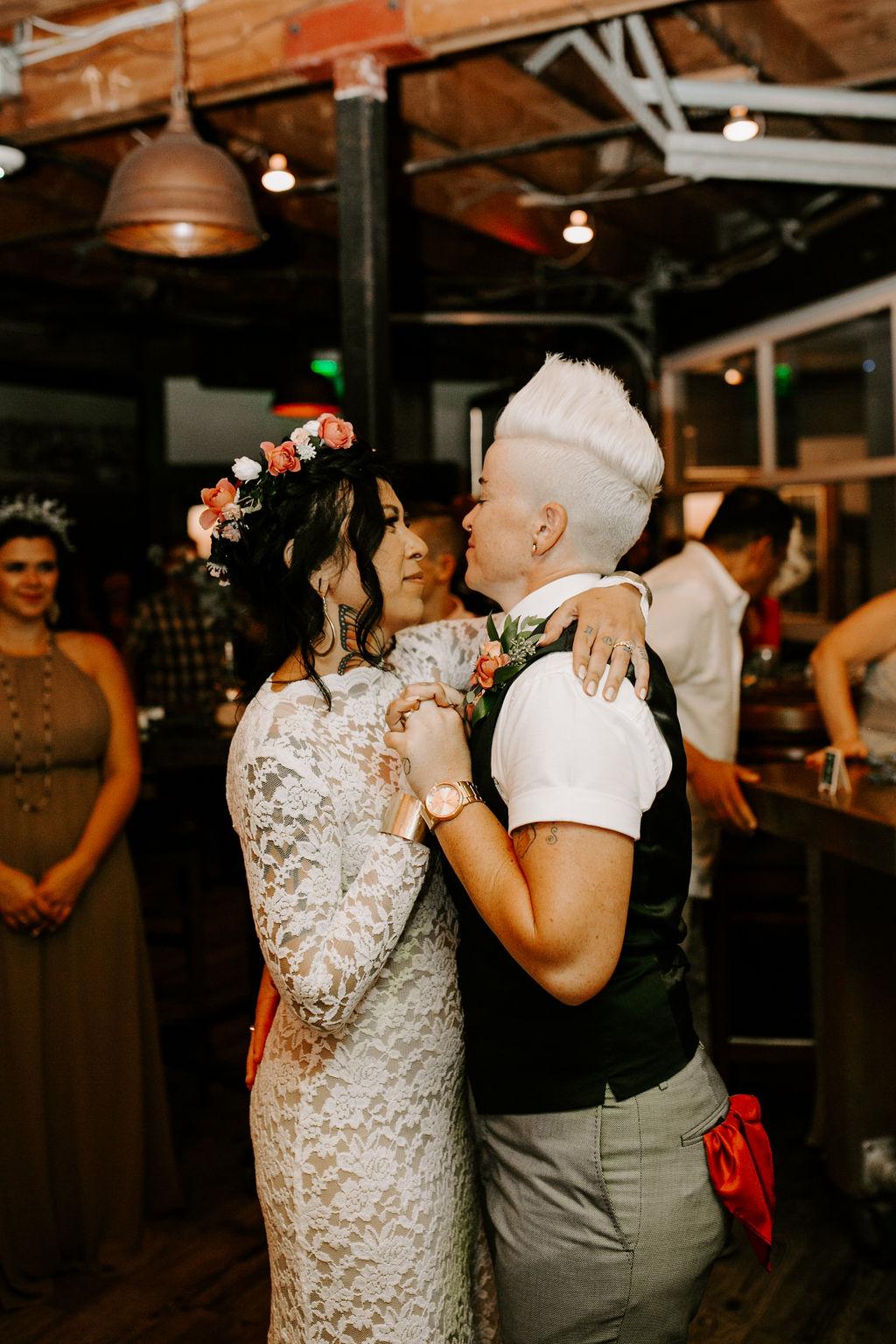 pinkfeatherphotography.OceanBeach-Wedding(385of591).jpg