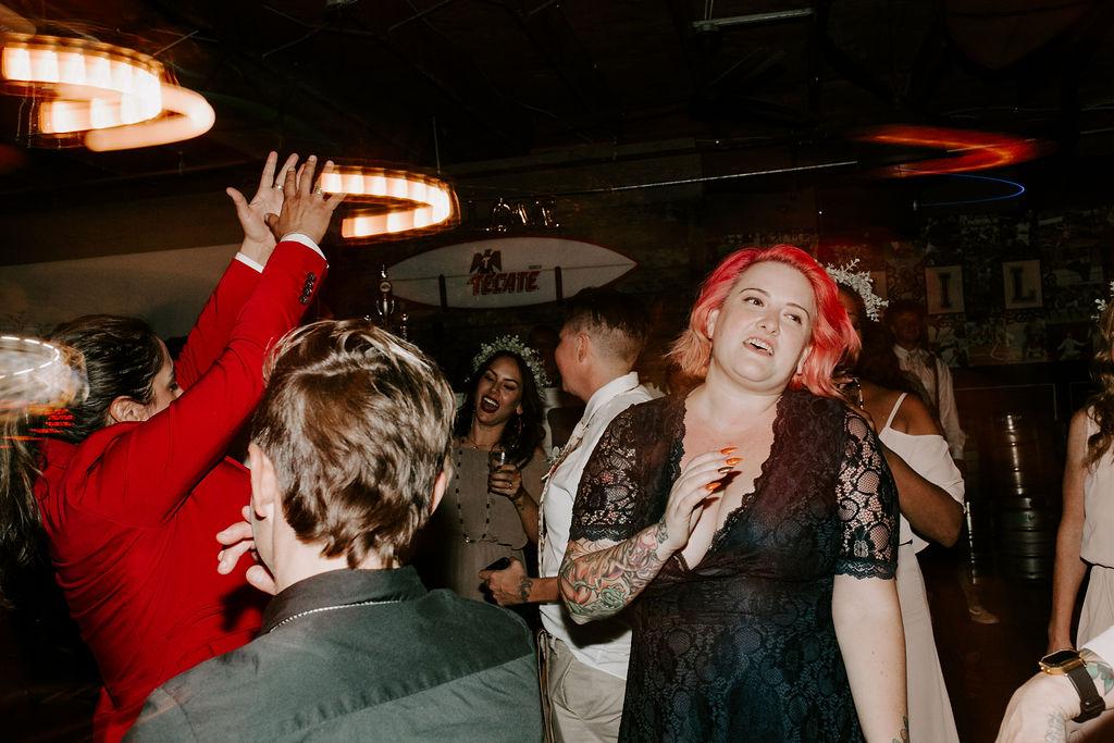 pinkfeatherphotography.OceanBeach-Wedding(564of591).jpg