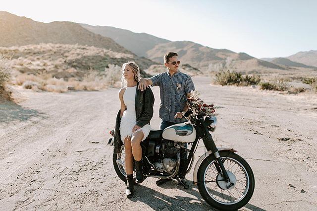 The first and most likely last styled shoot I will ever put together lol 😂. So glad the vendors that  showed up were so amazing!  We had a great day out in the desert and I'm so excited about what we got.