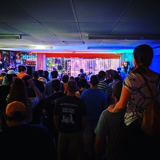 Scrolling through some photos of live HTA shows and came across this one from a couple months ago at @growlrecords 🔥 Always so much love and support from folks in Arlington, TX. Love y'all right back! HTA will be returning to the area on Oct. 5th, headlining Pantego Fest at @newmainbrewing 🖤 Hope to see y'all there! 📸 by Josh, of @joshandthejetnoise  #concert #brewery #henrythearcher #rocknroll #support #love #music #livemusic #crowd #comics #alternative #altrock #indie #arlington #pantego #photooftheday #bandphotography #concertphotography #newmusic