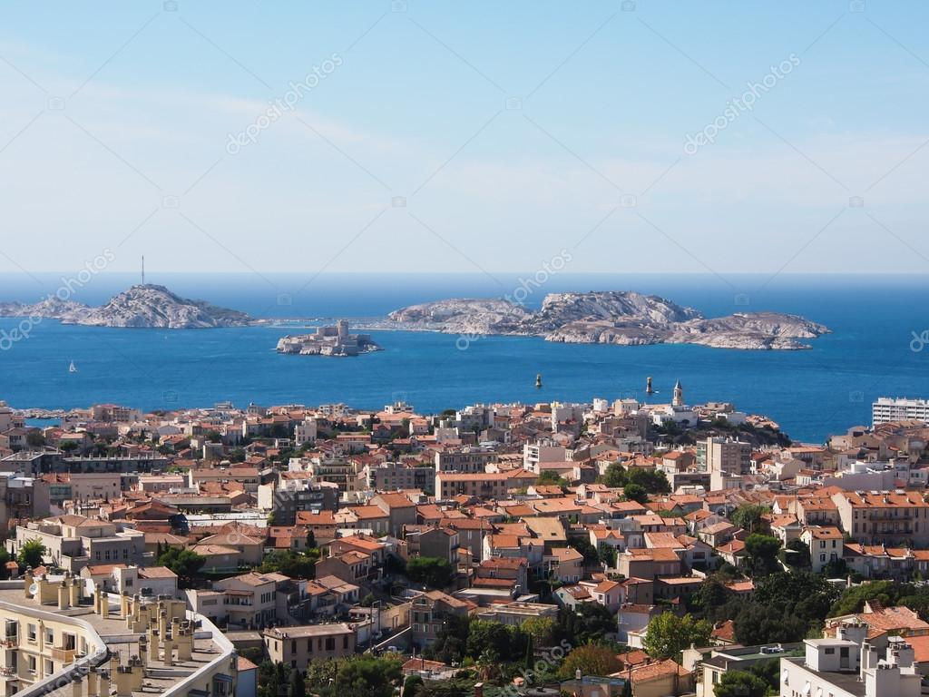 depositphotos_15620767-stock-photo-marseille-and-sea.jpg