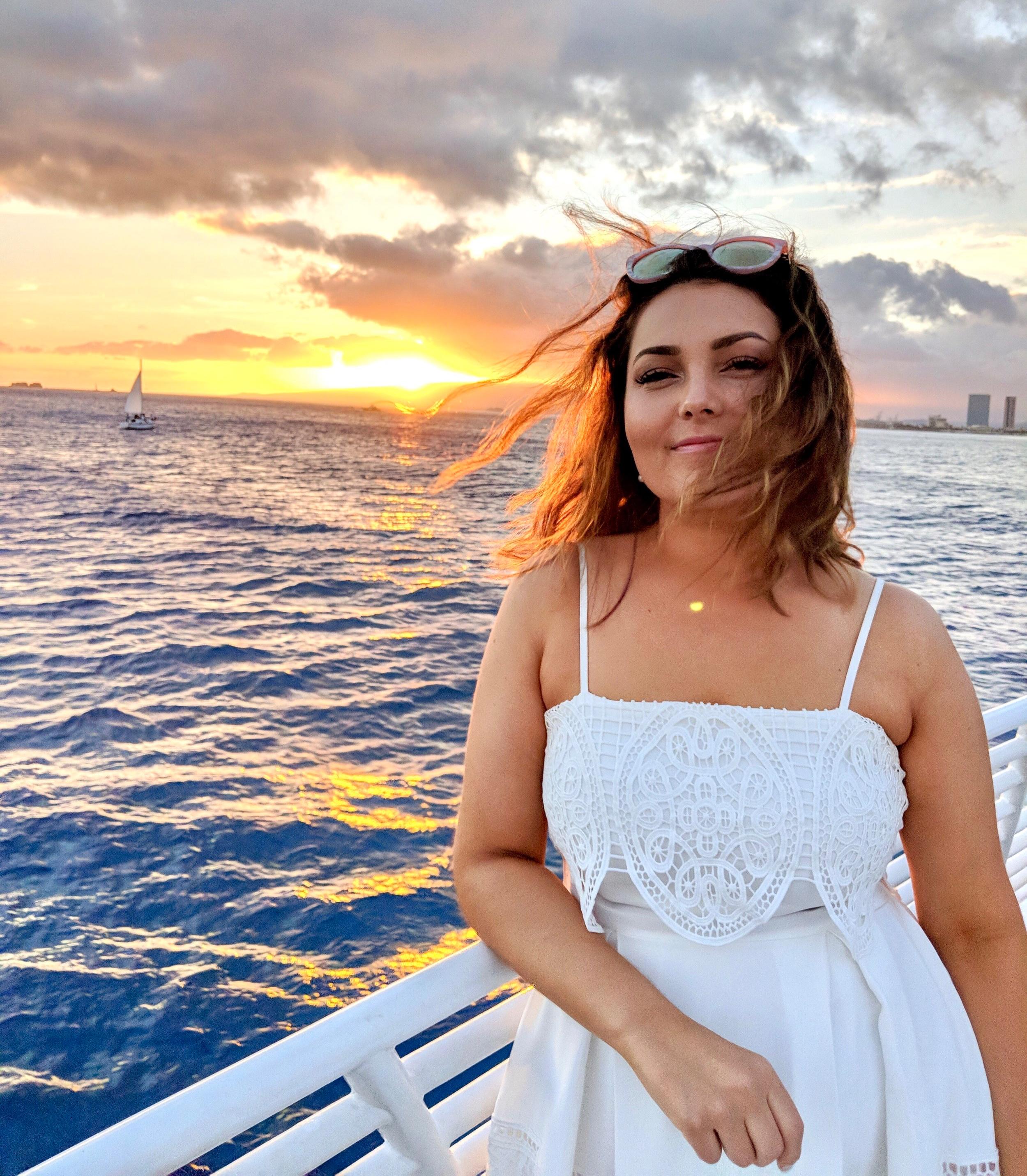 Oahu, Hawaii - Sunset Dinner Cruise