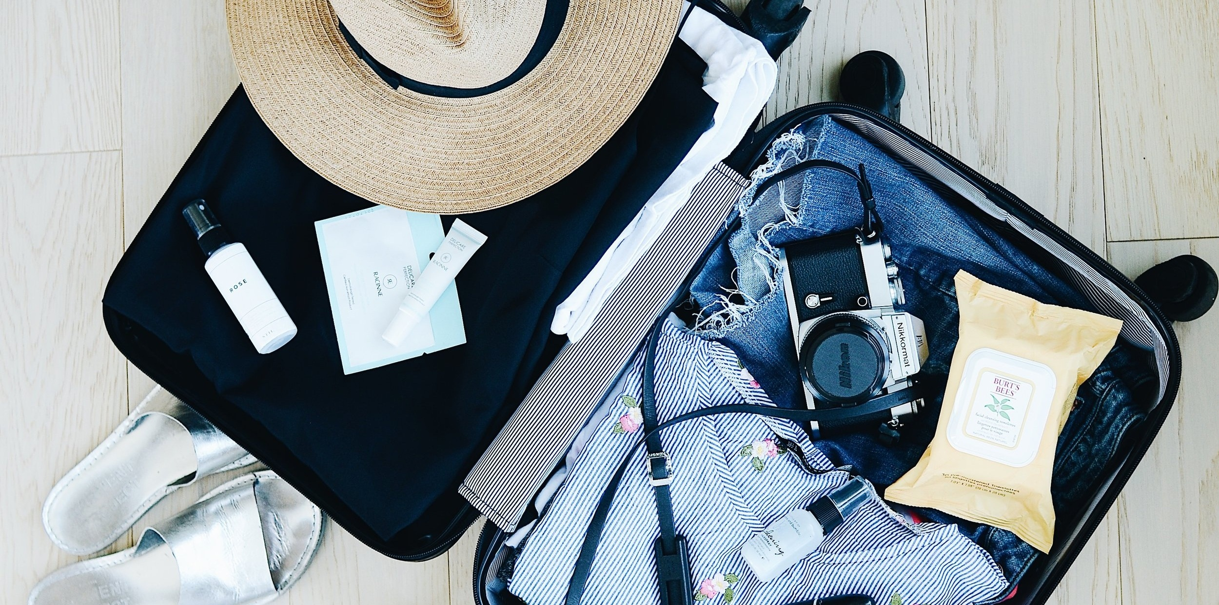 18 Essentials Items in My Carry On